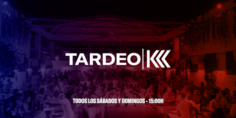 DOMINGOS DE TARDEO EN TORREVIEJA ZONA DE PUBS EL PARKING